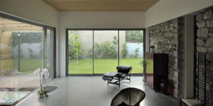salon fenetres lumiere architecture