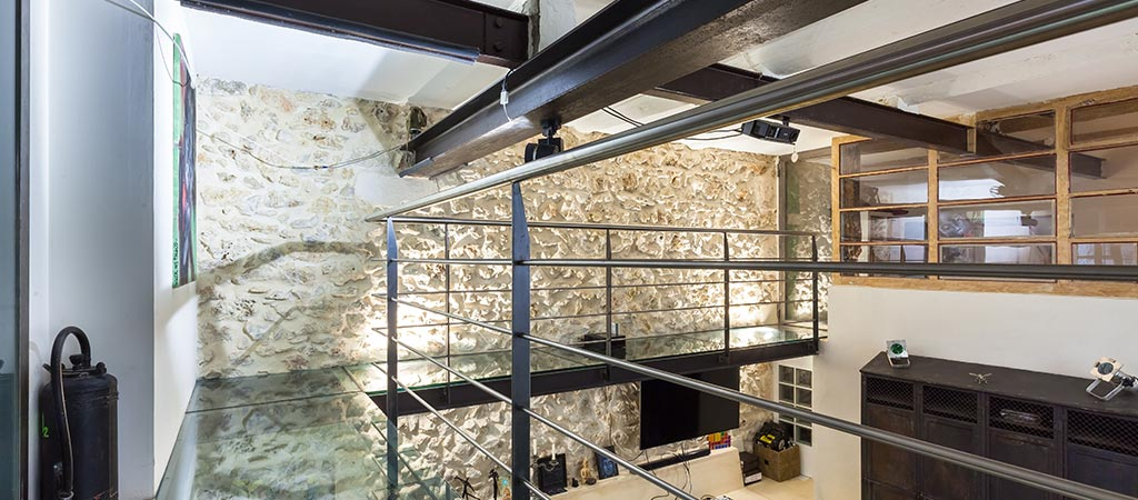 mezzanine couloir verre architecture