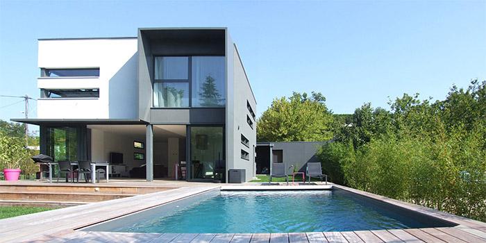 facade piscine maison moderne