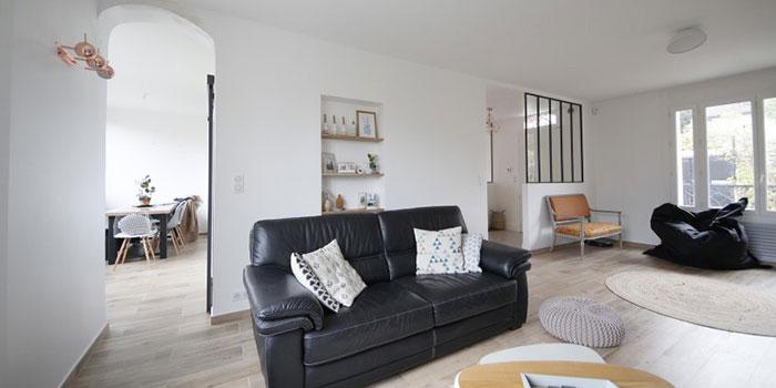 canapé salon maison renovée