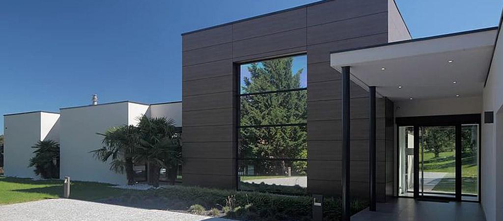 facade noir maison contemporaine