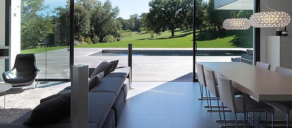 sejour ouvert terrasse piscine