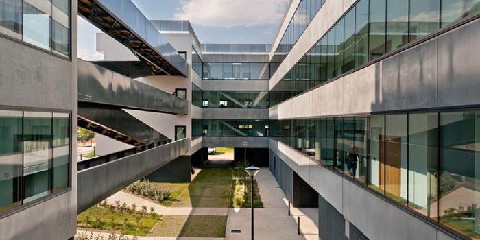 immeuble verre beton architecte