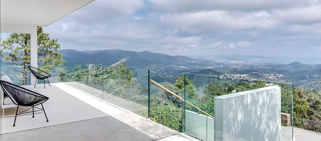 terrasse vue montagne piscine