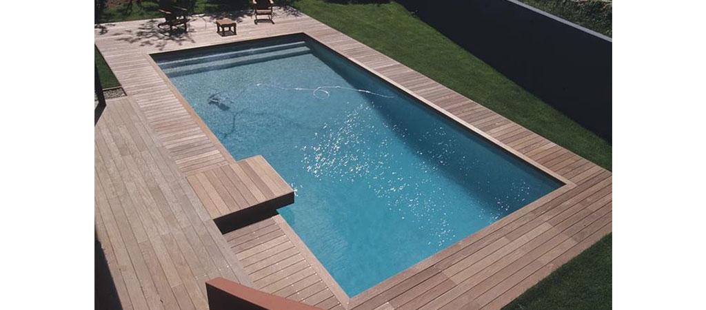 piscine terrasse bois maison