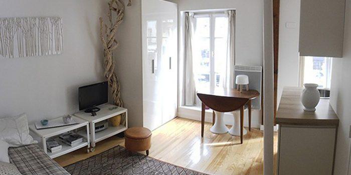 salon chaleureux studio rénové