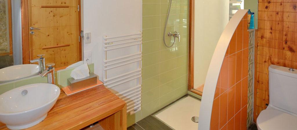 salle d'eau maison verre