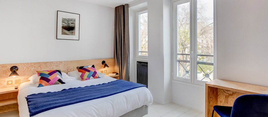 rehabilitation hotel chambre bois