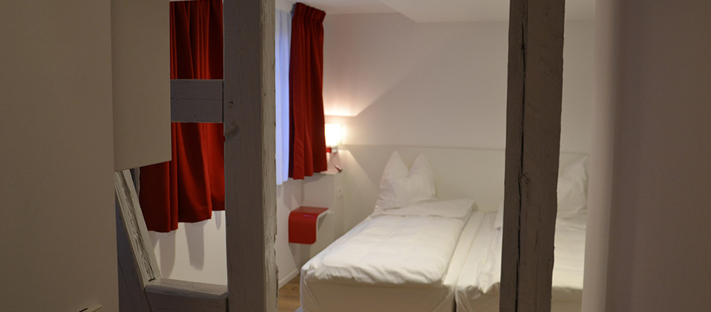 poutre chambre hotel rénové
