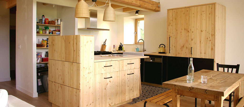 cuisine bois grange rénovée