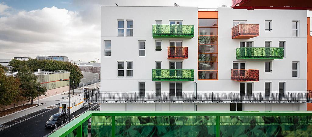 facade balcon coloré architecte
