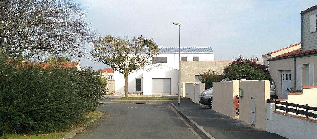 facade blanche maison archictecte