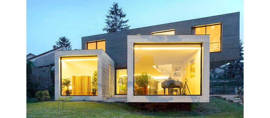 facade lumineuse maison beton